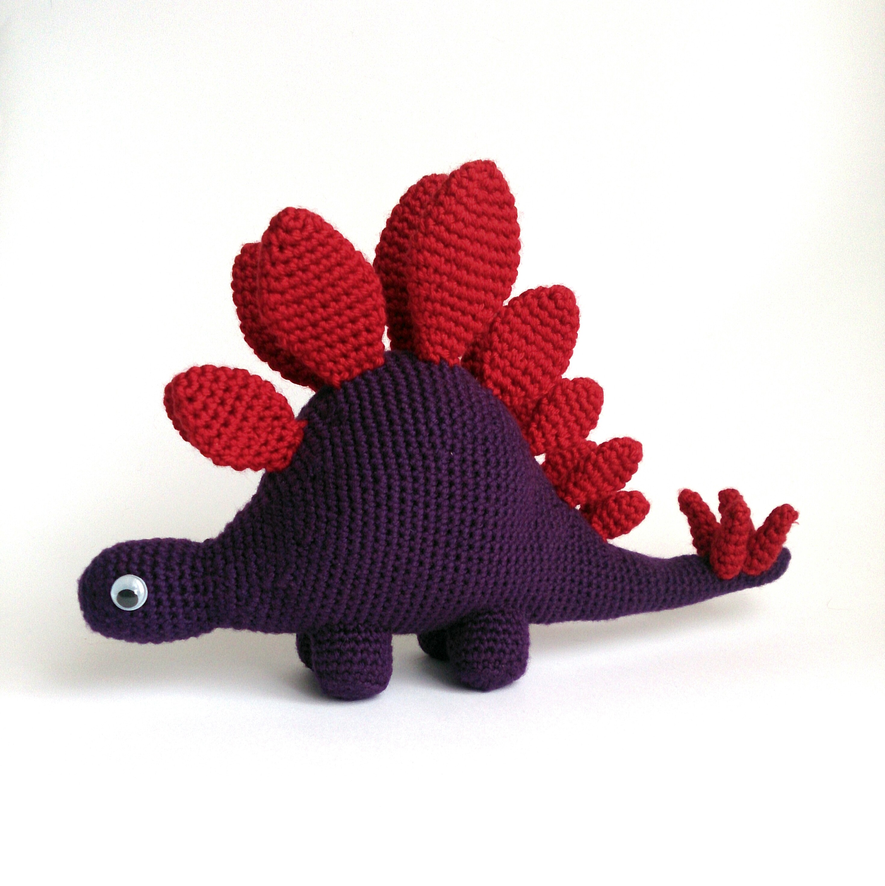 Stegosaurus amigurumi crochet pattern by The Button Ship